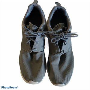 Nike Roshe Shoes Size 9